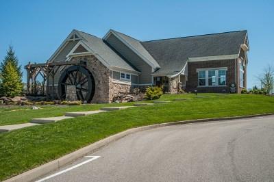 Burlington Condo/Townhouse For Sale: 2483 Paragon Mill