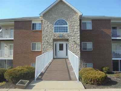 Boone County Condo/Townhouse For Sale: 624 Friars #4