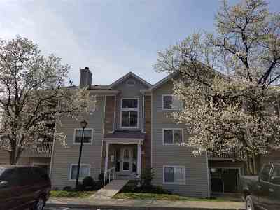 Campbell County Condo/Townhouse For Sale: 230 Willowbrook Court #2