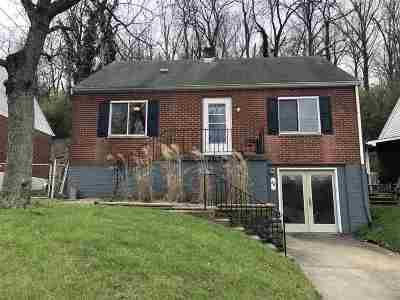 Newport Single Family Home For Sale: 26 Laycock Lane
