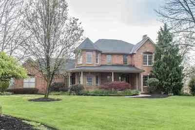 Boone County Single Family Home For Sale: 799 Gallant Fox Lane