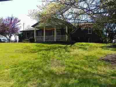 Alexandria Single Family Home For Sale: 10668 Pleasant Ridge