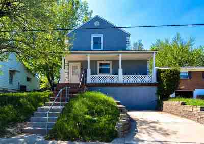 Elsmere Single Family Home For Sale: 608 Orchard Street