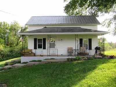 Alexandria Single Family Home For Sale: 10482 Persimmon Grove Pike