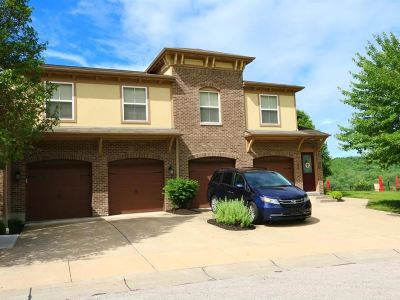 Kenton County Condo/Townhouse For Sale: 2349 Rolling Hills Drive
