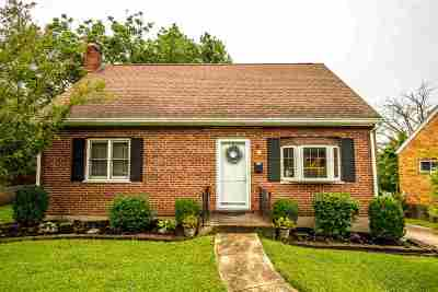 Elsmere Single Family Home For Sale: 404 Swan Circle