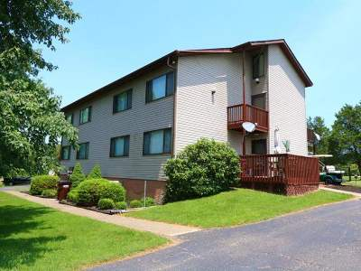 Owen County Condo/Townhouse For Sale: 815 Inverness Drive #2