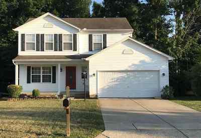Burlington Single Family Home For Sale: 7648 Falls Creek Way