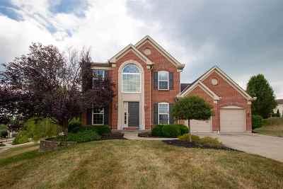 Erlanger Single Family Home New: 823 Doeridge Drive