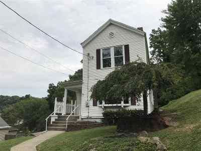 Newport Single Family Home For Sale: 5 Baum Street