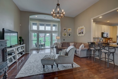 Alexandria Single Family Home For Sale: 24 Broadfield Court