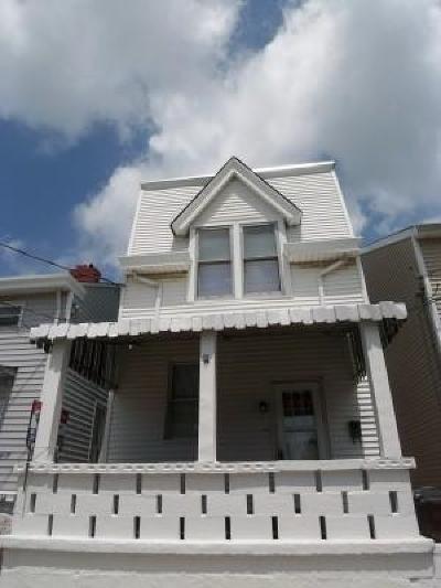 Newport Single Family Home For Sale: 1029 Ann Street