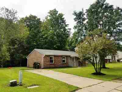 Alexandria Single Family Home For Sale: 51 Ridgewood Drive