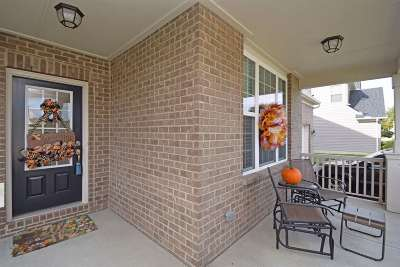 Erlanger Single Family Home For Sale: 828 Lakerun Lane