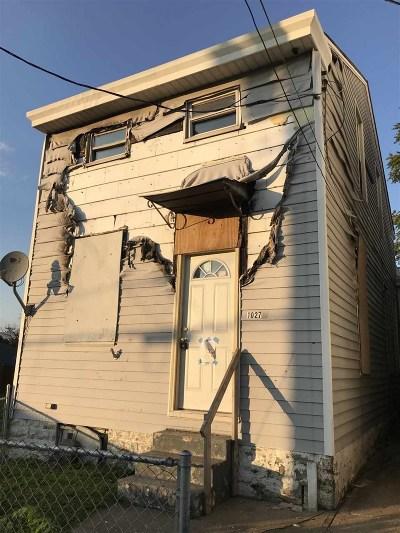 Newport Single Family Home For Sale: 1027 Ann Street