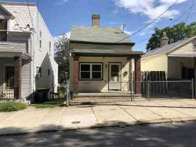 Dayton Single Family Home For Sale: 1005 Sixth Street
