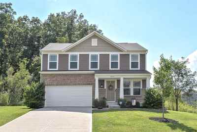Alexandria Single Family Home For Sale: 9832 Cedar Cove
