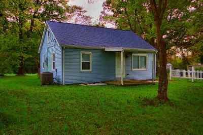 Single Family Home For Sale: 15051 Decoursey