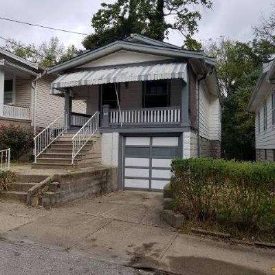 Covington Single Family Home For Sale: 140 Daniels Street
