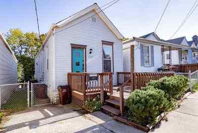 Newport Single Family Home For Sale: 159 Main Street