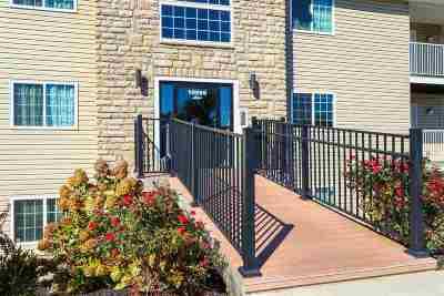 Alexandria Condo/Townhouse For Sale: 10559 Lynn Lane #11