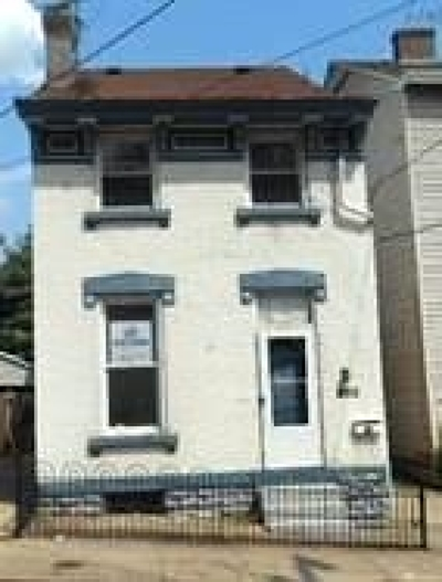 Covington Single Family Home New: 852 Crescent