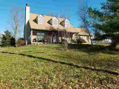 Boone County Single Family Home For Sale: 496 Frogtown