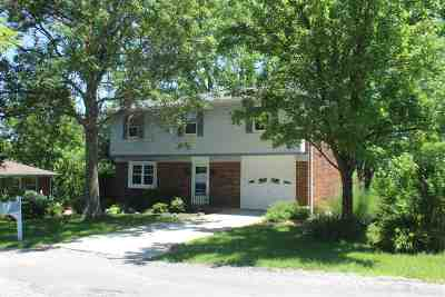 Alexandria Single Family Home For Sale: 6995 Backus Drive
