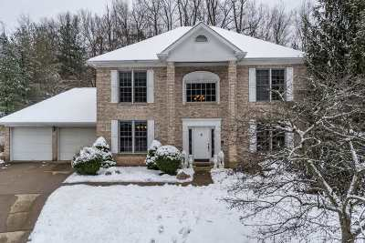 Single Family Home For Sale: 1201 Devou Woods
