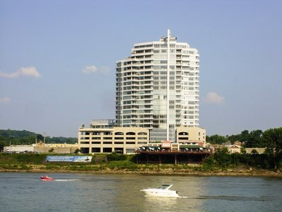 Newport Condo/Townhouse For Sale: 400 Riverboat #1605
