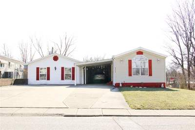 Boone County Single Family Home For Sale: 111 Melinda Lane