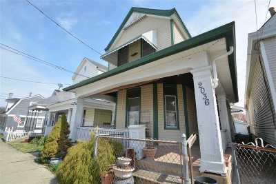 Single Family Home For Sale: 2036 Garrard Street