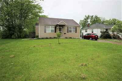 Boone County Single Family Home For Sale: 1 Smith Street