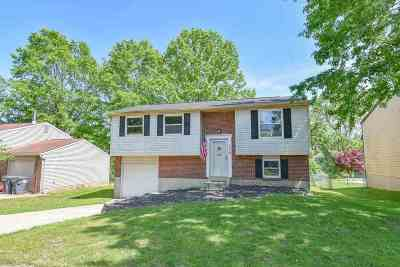 Boone County Single Family Home For Sale: 6218 Ridewood Court