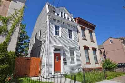 Newport Single Family Home For Sale: 1026 Washington Avenue