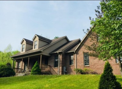 Single Family Home For Sale: 102 Woods Court