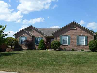 Boone County Single Family Home For Sale: 2742 Coachlight Lane