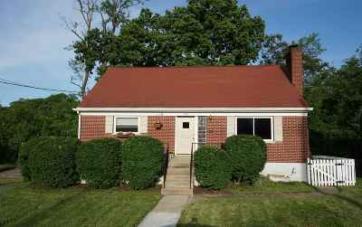 Park Hills KY Single Family Home For Sale: $189,900