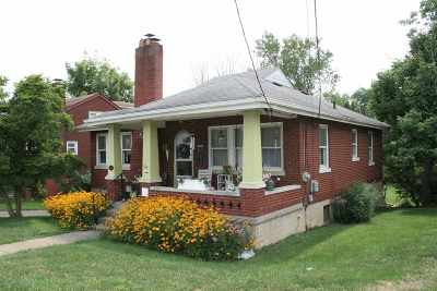 Boone County Single Family Home For Sale: 119 S Main Street