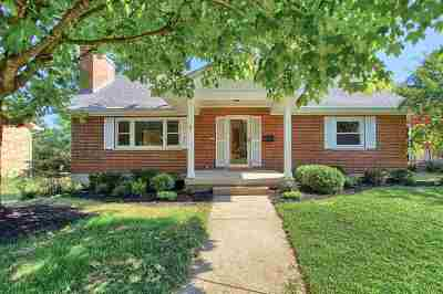 Single Family Home For Sale: 442 Fort Henry Drive