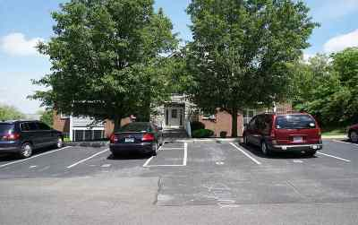 Boone County Condo/Townhouse For Sale: 10200 Crossbow Court #6