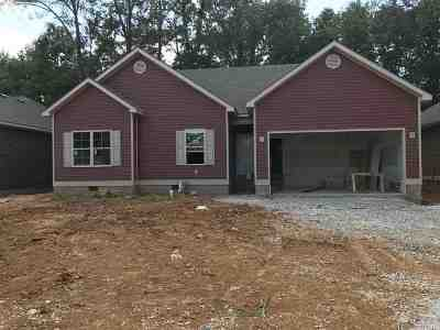 Bowling Green Single Family Home For Sale: 746 Red Maple St