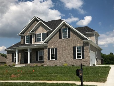 Bowling Green Single Family Home For Sale: 825 Hardwoods Drive
