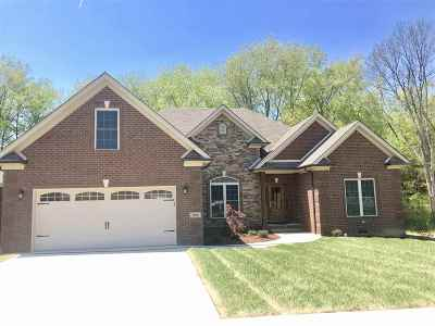 Bowling Green Single Family Home For Sale: 205 Charlotte Drive