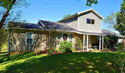 Bowling Green Single Family Home For Sale: 1055 Castle Heights