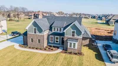 Bowling Green Single Family Home For Sale: 634 Diamond Peak Drive