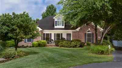 Bowling Green Single Family Home For Sale: 130 Oak Pointe Ct