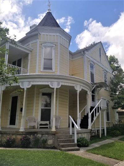 Bowling Green Single Family Home For Sale: 1327 State Street