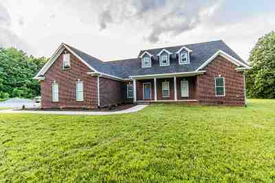 Bowling Green Single Family Home For Sale: 136 Cardinal Trail