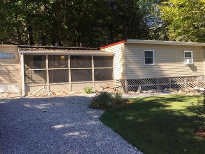 Burnside Single Family Home For Sale: 145 Maugham Dr.